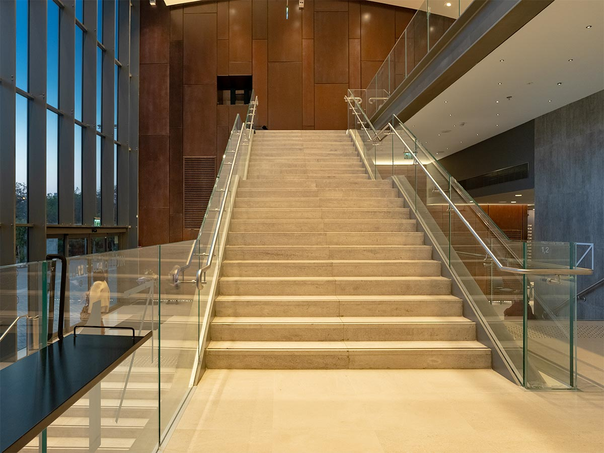 Foyer_stairs_v2